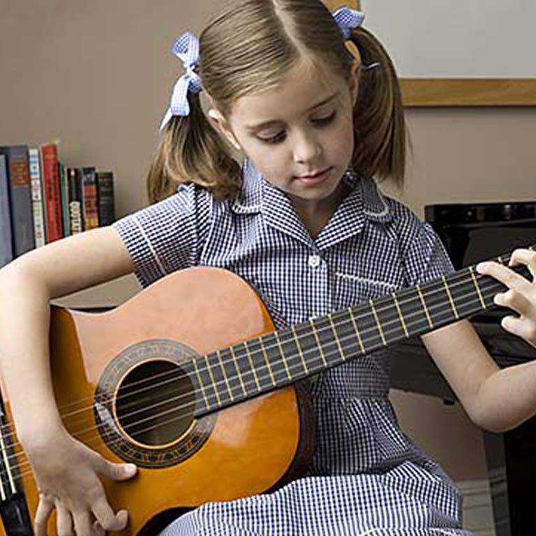 what-size-of-guitar-should-i-buy-for-my-child1